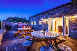 new-0819-luxury-cottage-16