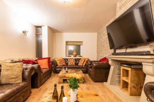 new-0819-luxury-cottage-24