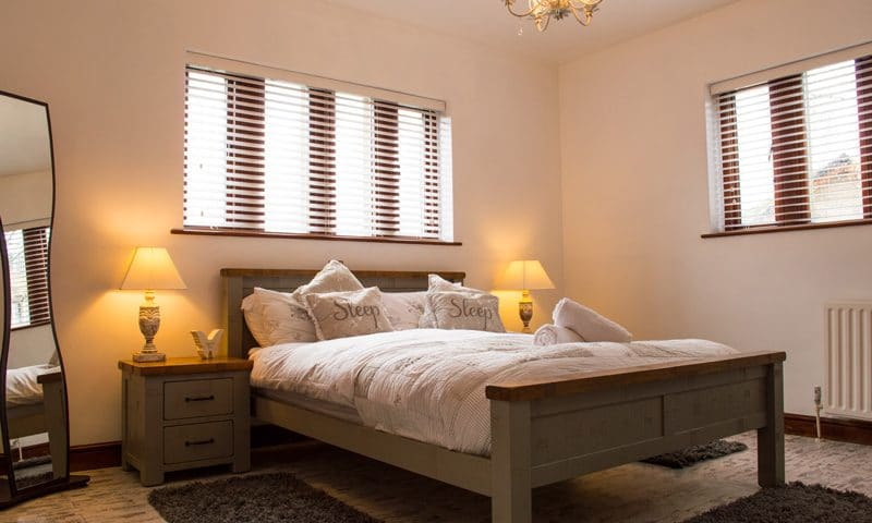 oaklands-bedroom1-1