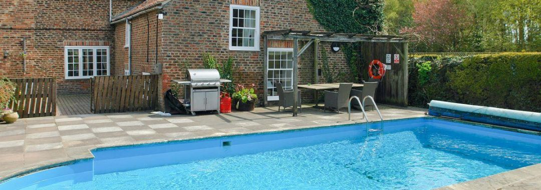 york-pool-party-house-01