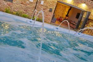 Hen Party House Honey Spa Cottage 38