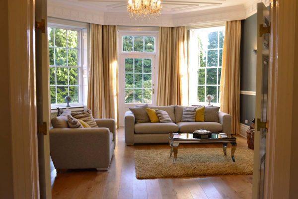 new-lake-house-mansion-living-room-02