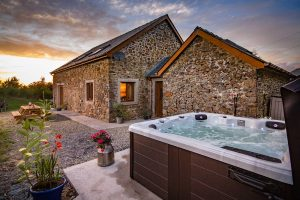new-luxury-barn-retreat-01