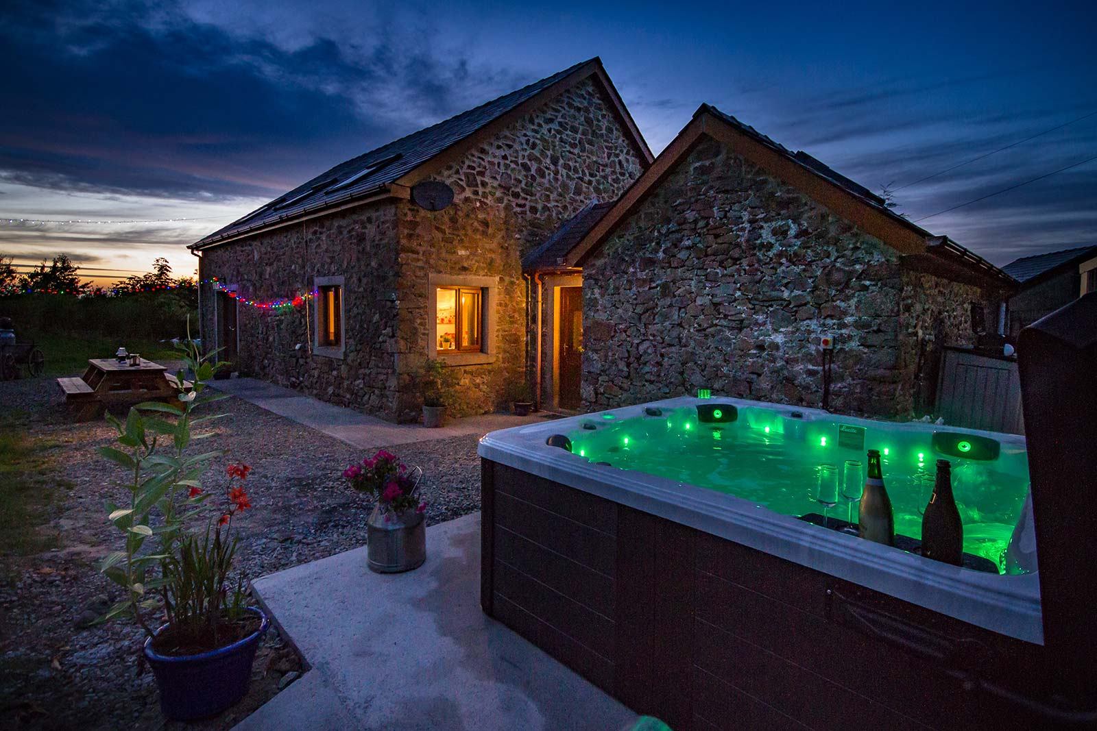 new-luxury-barn-retreat-07