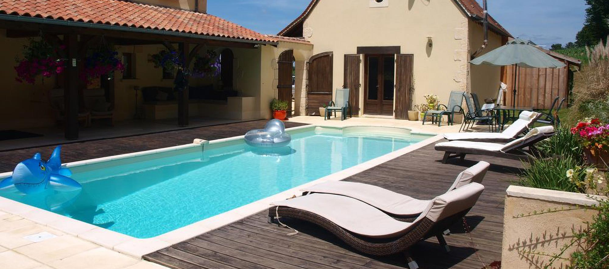 perigordian-pool-house-banner